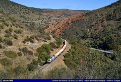 """Batida de zorras"" (alemmTrenes) Tags: 3000 3300 cv 333 3333 333300 prima vossloh 3333473 333347 347 47 3 lok locomotora locomotiva locomotive diesel emd gm cisternas zagkks amoniaco vacío tramesa fertiberia ermewa transfesa químico nh3 alverca lisboa portugal badajoz cumbres mayores la nava de huelva puerto cargas mercancías peligrosas paisaje sierra montaña río valle naturaleza landscape renfe adif alemmtrenes alemm1998 estación estaciones station stations estaçao estaçoes tren train comboio trenes trains comboios ferrocarril ferrocarriles railway railroad trainz"