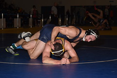 Bryan Battisto vs Tyler Noon 5447 (Chris Hunkeler) Tags: bryanbattisto calstatebakersfield tylernoon menlocollege bout295 174 roadrunneropen amateur college wrestling