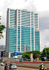 Menara H (Everyone Sinks Starco (using album)) Tags: jakarta building gedung architecture arsitektur apartment apartemen