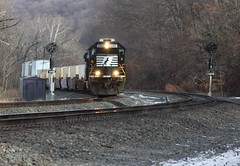 The Current State of Mainline Railfanning (Eric_Freas) Tags: norfolk southern pennsylvania railroad position lights spartan cab sd70 ns 2513 pittsburgh line thompsontown