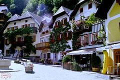 Hallstatt (Jurek.P) Tags: hallstatt town marketplace rynek architecture architektura austria alps alpy salzkammergut scan 35mm minoltadynax7000i jurekp europe