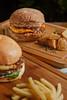 Kangaroo Burger (fotografia e tratamento de imagem) Tags: comida sanduiche lanche hamburguer burger batata frita coca cola rustica onions ring cebola milanesa molho sauce