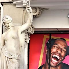 Light me up (Collodilux) Tags: lyon singing sculpture