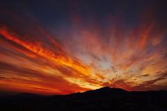 Todos los colores del Amanecer .. (valorphoto.1) Tags: selecciónvp paisaje natural nubes sunrrise amanecer color cielo photodgv