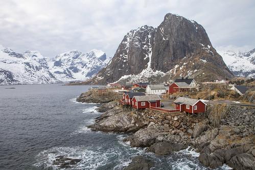 Hamnøya, Reine