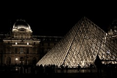 The beauty of Louvre (Rojs Rozentāls) Tags: louvre paris france nightphotography architecture canonphotography travelphotography