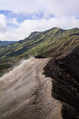 On the edge, Bromo volcano, Indonesia (pas le matin) Tags: landscape sky mountain mountainside forest tree water crater cratère volcan volcano bromo travel indonésie indonesia asia asie southeastasia paysage edge xorld voyage canon 7d canon7d canoneos7d eos7d