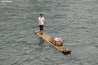 Pescador solitario - China