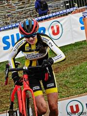 DSCN2815 (Ronan Caroff) Tags: cycling cyclisme ciclismo cyclist cycliste cyclists velo bike course race cyclocross cx sport sports women woman quelneuc morbihan 56 bretagne brittany breizh france championnatsdefrance championnat championship cup contest coupe competition cadette cadettes mud boue