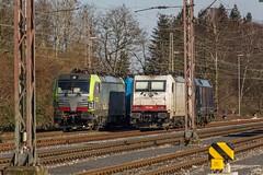 03_2018_02_18_Wanne_Eickel_Üwf_6185_530_ATLU_4475_407_BLSC_6185_523_ATLU_6186_906_D_XRAIL_ES_64_U2_-_096_6182_596_DISPO (ruhrpott.sprinter) Tags: ruhrpott sprinter deutschland germany allmangne nrw ruhrgebiet gelsenkirchen lokomotive locomotives eisenbahn railroad rail zug train reisezug passenger güter cargo freight fret herne wanne eickel wanneeickel üwf bombadier traxx siemens mrcedispo mrcedispolokdispo dispolok bls blscargo es 64 u2 es64u2 182 6182 185 6185 14475 475 diealpinisten thealpinists vectron sonnenuntergang sonne abendrot outdoor logo natur werbung advertisment