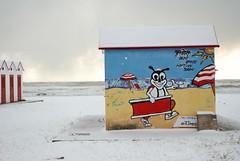 Andiamo a prendere il sole? (maresaDOs) Tags: snow neve febbraio 2018 vasto vastomarina abruzzo chieti spiaggia playa plage praia winter cabina colore steeetart art nikon nikond3300