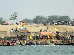 Allahabad, Triveni Sangam 03 (juggadery) Tags: 2015 india uttarpradesh water people religion hindu boattrip