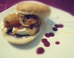 19/365 (David Aznar) Tags: 19365 2018project 2018 huawei p8 lite hamburguesa queso cabra cebolla cebollacaramelizada comida burguer cheese onion