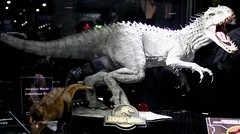 2017-Jurassic Park Dinosuars Statues by Chronicle Collectibles at SDCC-03 (David Cummings62) Tags: sandiego ca calif california comiccon con david dave cummings 2017 statue jurassicpark movie movies dinosuars dinosuar chroniclecollectibles