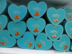 Boxes of Habbeh Loghmeh - Mehromah Complex Qom Iran (WanderingPJB) Tags: accumulation blue flickruploaded iran islamrepublic qom mehromahcomplex souvenirs box habbehlognmeh sweets 7dwf crazytuesdaytheme hearts cmwdblue colourfulworld smileonsaturday blueforyoume2019 asty treat for sure