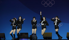 PyeongChang_Medal_Plaza_14 (KOREA.NET - Official page of the Republic of Korea) Tags: 2018평창동계올림픽 2018pyeongchangwinterolympicgames 2018 korea olympics olympicgames goldmedal olympicmedalist pyeongchang medalceremony 평창군 강원도 금메달 평창올림픽플라자 수상식 여자친구 girlfriends