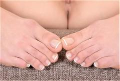 single (vikyVi) Tags: single girl babe leg 50stockinggarterbelt barefeet sofa