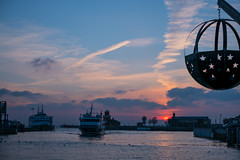 Ferry at Sunset (Infomastern) Tags: drömljus helsingborg cloud frtty färja sky solnedgång sunset camera:make=fujifilm camera:model=xt2 geocity geostate geocountry geolocation exif:model=xt2 exif:aperture=ƒ28 exif:make=fujifilm exif:focallength=35mm exif:isospeed=200 exif:lens=xf35mmf14r