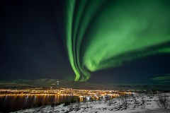 Aurora Borealis (Einar Schioth) Tags: auroraborealis northernlights akureyri winter night evening sky snow sea shore clouds canon cloud coast vividstriking nationalgeographic ngc nature mountains mountain hlidarfjall hlíðarfjall landscape photo picture outdoor iceland ísland ice einarschioth