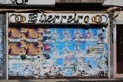 abandonnée (hans pohl) Tags: portugal setubal alentejo montijo shops magasins boutiques publicités advertising architecture