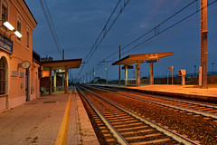 029 P.to Potenza Picena laghetti 03.10.2017 (carlocorv1) Tags: railway station passengers waiting sky now blue binary colors light electric line country quay
