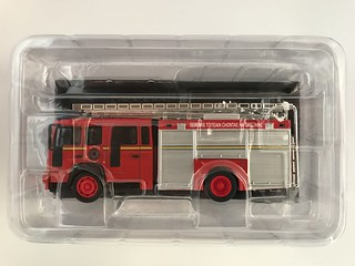 Del Prado - Fire Engines Of The World Collection - Ireland - 2000 Water Tender Volvo FL6-14  - Miniature Diecast Metal Scale Model Emergency Services Vehicle.