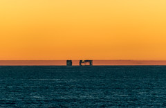 Fata Morgana (mirage) (SPMac) Tags: objects fpso goliat scarabeo 8 from approx 40nm fata morgana mirage atmosphericrefractionphenomena looming horizon saipem arctic circle barents sea norway eni norge 71227 floating production storage oil gas