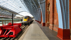 St Pancras International Train Station, London England (duaneschermerhorn) Tags: train station trainstation tracks platform roof ceiling curved girdersstructure architecture building architect design