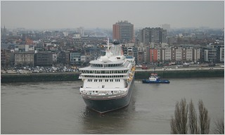 Cruise Ship MS Balmoral ... Fred.Olsen Cruise Lines.     Turning.