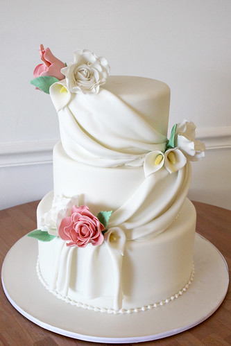 Classic Swags and Cala Lilies Wedding Cake