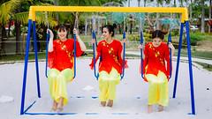 IMG_5792 (2L photography) Tags: xuân tết tet xuan 2l 2lfilms lâmlinh lamlinhpo asiangirl asian aobaba áobaba smile goodgirls girls vietnamgirls