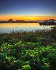 Don't look the big picture (Juan Pablo J.) Tags: sunset sundown sunsetmadness naturephotography nature ocean oceano sanfrancisco color canon5dmkii canon24105mmf4l