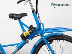 WorkCycles Fr8 - lock on saddle frame (@WorkCycles) Tags: bicycle bike chain child delivery dutch fiets fr8 heavyduty kid lock saddle transport transportfiets workcycles zadeltje