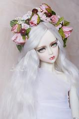 English Rose (AyuAna) Tags: bjd ball jointed doll dollfie ayuana design minidesign handmade flower crown wreath headdress crafting ordoll eris hybrid spiritdoll proud1st body whiteskin