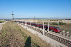 wb_111001_04 (Prefektionist) Tags: austria bahn d700 eisenbahn loweraustria niederösterreich nikon oebb rail railjet railroad railway siemens stpölten train trains westbahn öbb österreich sanktpölten at