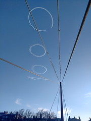stunt in Lyons sky for 10'000'000 passengers at Lyon's airport (coyote-agile) Tags: 2017 lyon france lys 10000000