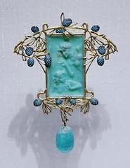 """Figures in pine foliage"" pendant - René Lalique, 1899-1900 (Monceau) Tags: pendant pinecone pine cone women stone gold branches macro turquoise"