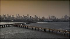 Mumbay - porto al tramonto (Renato Pizzutti) Tags: india mumbay città nikond750 renatopizzutti