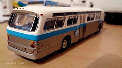 Rapido Trains STCUM 16-046 (5) (Alexander Ly) Tags: rapido trains ho scale model bus autobus modèle réduit gm gmc gmdd new look t6h5307n stcum stm societe de transport montreal quebec canada ctcum novabus nova lfs paperbus prevost h345
