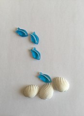 On Pure White (Martellotower) Tags: smileonsaturday onpurewhite glass fish shells white