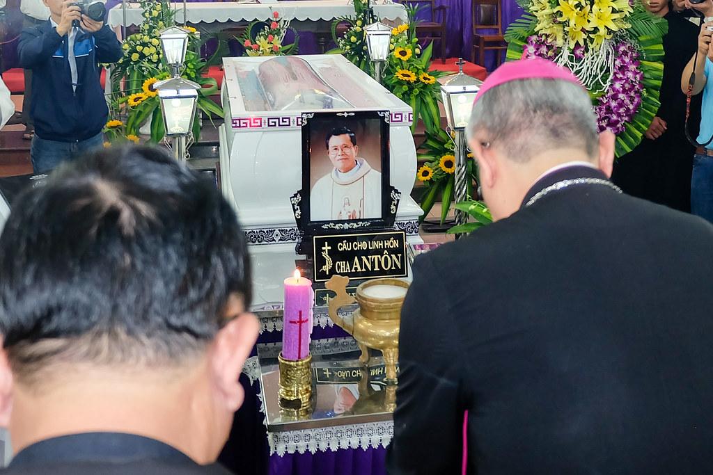 Nhap quan cha Anton Nguyen Truong Thang-13