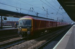 Royal Mail unit 325001 passing Doncaster in 1998 (Tom Burnham) Tags: uk yorkshire doncaster station railway train royalmail postal class325 1990s