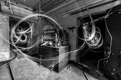 Der Geist im Keller (Robert.B. Photography) Tags: architektur langzeitbelichtung lightpainting einfarbig geist licht architecture longexposure monochrome ghost light sw brandenburg