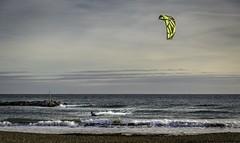 Kitesurf en Italie (polfanice) Tags: seascape sea mer kitesurf