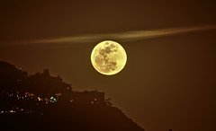 Superbluebloodmoon. (isaacullah) Tags: supermoon moon bloodmoon bluemoon blue blood super rising california night sky
