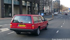 Volvo 940 Turbo 1991 (XBXG) Tags: npbs30 volvo 940 turbo 1991 volvo940 estate stationcar stationwagen station wagon kombi automatic bva automatique red rood rouge wibautstraat amsterdam nederland holland netherlands paysbas old classic swedish car auto automobile voiture ancienne suédoise sverige sweden zweden vehicle outdoor