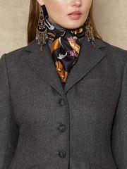 Ralph Lauren n°891 - Detail (Blouse et Foulard 2) Tags: foulard ralph lauren silk scarf turtleneck leather boots