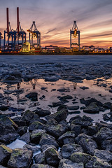 CTA Sunset (StoneAgeKid) Tags: cta sunset sonnenuntergang elbe wasser hafen eis ice cold kalt steine rocks vessel containerschiff schiff hamburg germany harbour
