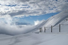 MGB- Oberalp Pass (Kecko) Tags: 2018 kecko switzerland swiss schweiz suisse svizzera innerschweiz zentralschweiz uri ur matterhorngotthardbahn railway railroad mgb eisenbahn bahn snow schnee oberalp pass oberalppass oberalpsee winter mountains berge swissphoto geotagged geo:lat=46657570 geo:lon=8649340