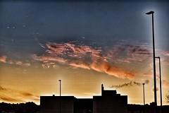A cierta edad una no se impresiona con grandes cuerpos, sino con almas grandes. (elena m.d.) Tags: amanecer alba guadalajara elena nubes cielo sky clouds nikon d5600